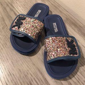 965460e20609 MICHAEL Michael Kors Shoes - MK glitter slides